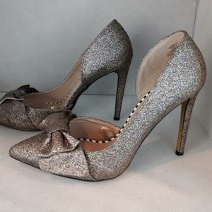 Betsey Johnson glitter pointy heel bow pumps